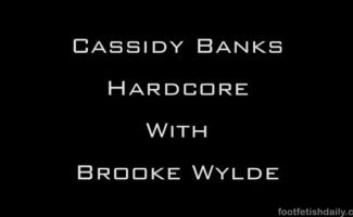 Brooke Wylde Tem Sua Boceta Lambeu Ao Lado De Uma Piscina E, Em Seguida, Ela Chupou Pau