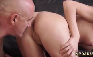 Porno Velha E Jovem