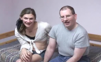 Vídeo De Homem Chupando Os Peitos Da Mulher