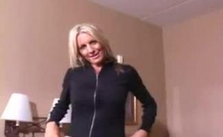 Emma Amirnale Revelou No Vestiário Como Ela Ama Foda Com Um Pau