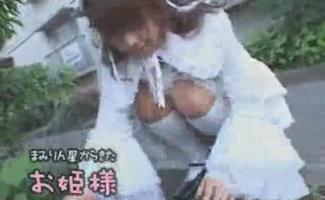 Minúscula Petite Vadieira Japonesa Convidou Doutor Sexy Para Se Tornar Sua Namorada De Plebean Doce E Começar A Ação Boquete E Foda Quando Nós Estávamos Bêbados