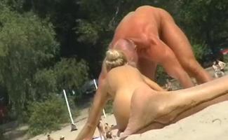 Porno Na Praia Do Nudismo