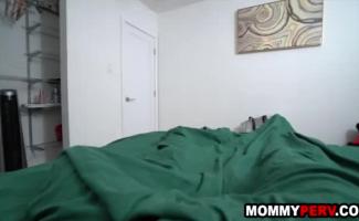Filho Fudendo A Mãe Legendado