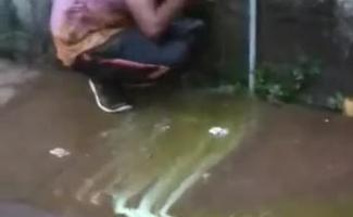 Irmas Tomando Banho Juntas
