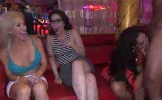 Videos De Sexo Chupando Os Peitos