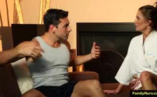 MILF E Filho Recebem Um Nick 2 A XXX Gang Bang HDK 2 Threesome