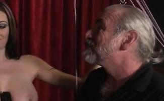 Vídeos De Mulher Mostrando A Bunda