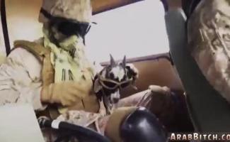 O Soldado Adolescente Causa Drogas E Sua Babá Goza