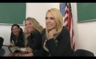 Porno Lesbica Na Escola