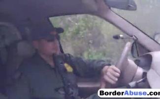 Oficiais De Borda Suja Queriam Bater Aquela Buceta Apertada De Ambos Os Lados
