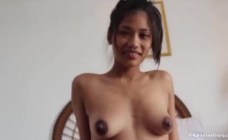 Petite Asiático Morena Com Um Corpo Quente E Peitos Pequenos Enormes Foram Fodidos Em Sua Mente Suja