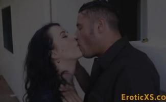 Morena Milf Cereja Beijo Tira Sua Lingerie