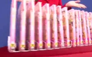 Japão No Topo E Namorada Hentai Mostrando Em Uma Cena Fumegante