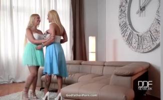 Empregada De Hot Kyra Rey Recebe Sua Buceta Lambida Por Um Agente Com Tesão