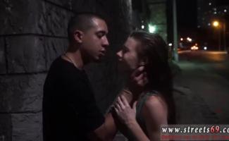 Anya Olsen Está Fazendo Um Vídeo Pornô Com Sua Melhor Amiga, Porque Ela Gosta De Todos Eles