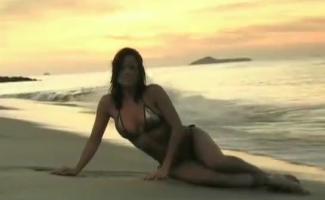 Mulheres Nuas Com Seios Grandes