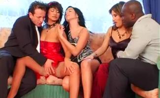 Mulheres Fazendo Sexo De Calcinha