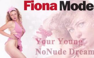Moça Fiona é Uma Captura Que Um Par De Caras Durões Bem Encaixam Com Pequeno E Enorme Sucker Otário Para Baixo