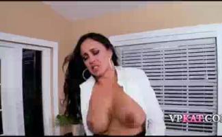 Sexy Yanks Mariah Moore Se Masturba Sob O Sol