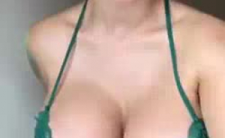 Ruff & Green Fox Ejaculação Em Uma Boceta Raspada De Um Adolescente Latina