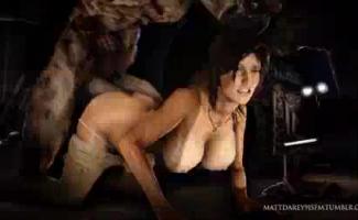 Lara Croft Montando Pau Na Parte De Trás De Sua Prisão Muito Lenta Movimento