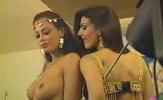 Ator De Bollywood E Atriz Sobre O Clitóris Em Ação Bizarra De Trio Hardcore