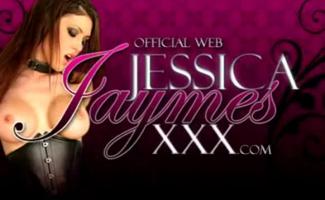 Jessica Jaymes Deu Footjob A Seu Amante E Depois Ele Fodia Seus Cérebros Sujos, Enquanto Em Um Barco