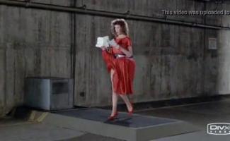 Mulher De Cabelo Vermelho Com Seios Grandes, Aletta Gosta De Foder Seu Vizinho Idoso Com Bastante Frequência